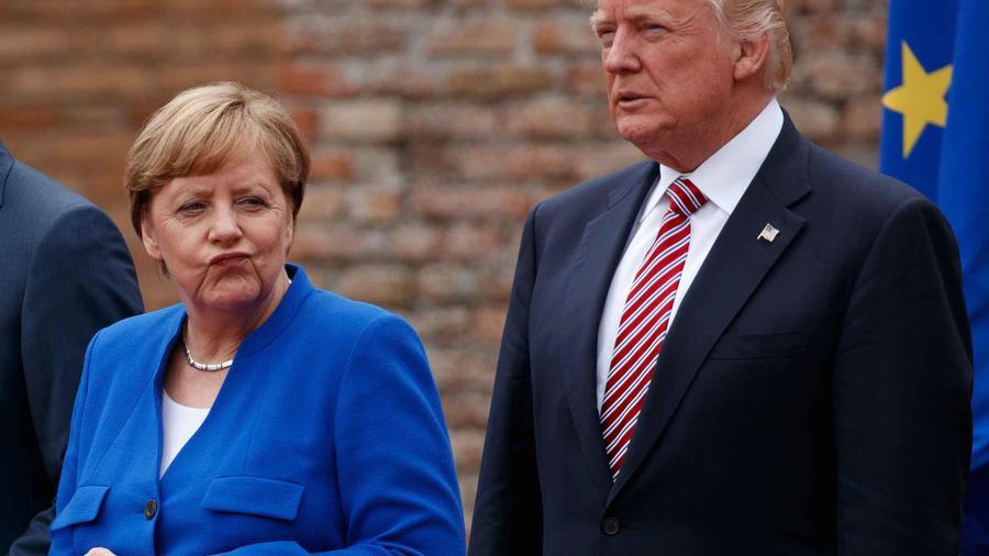 La canciller alemana Angela Merkel junto al presidente de EEUU, Donald Trump, en la cumbre del G7