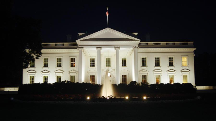 La Casa Blanca nocturna