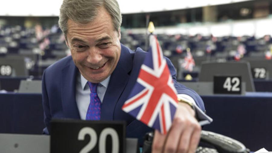 El político británico Nigel Farage en una sesión del Parlamento Europeo en Estrasburgo el 5 de abril de 2017.