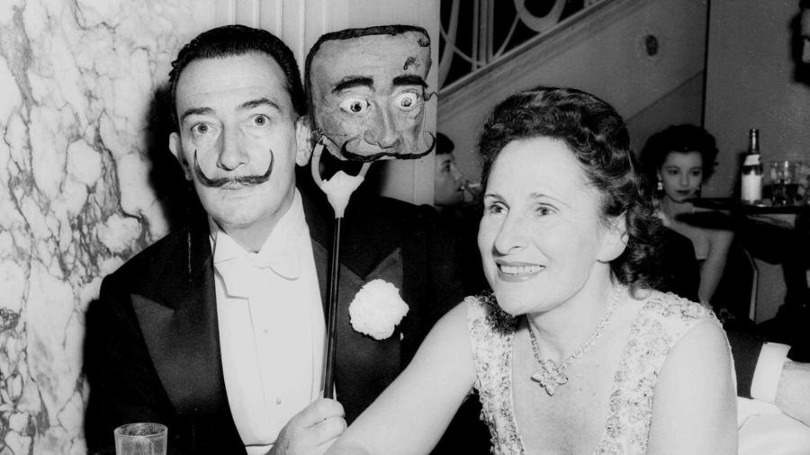 Salvador Dalí y su mujer, Gala, en Nueva York en una imagen sin datar.