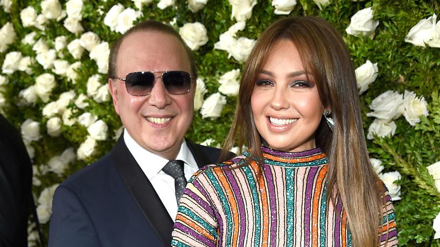Thalía y Tommy Mottola en la entrega de premios Tony 2017