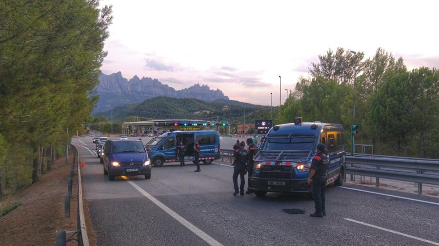 Retenciones en las carreteras en el noreste de Cataluña en un intento para arrestar a sospechoso huído