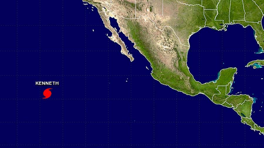El huracán Kenneth registra vientos máximos sostenidos de 120 kph (75 mph)