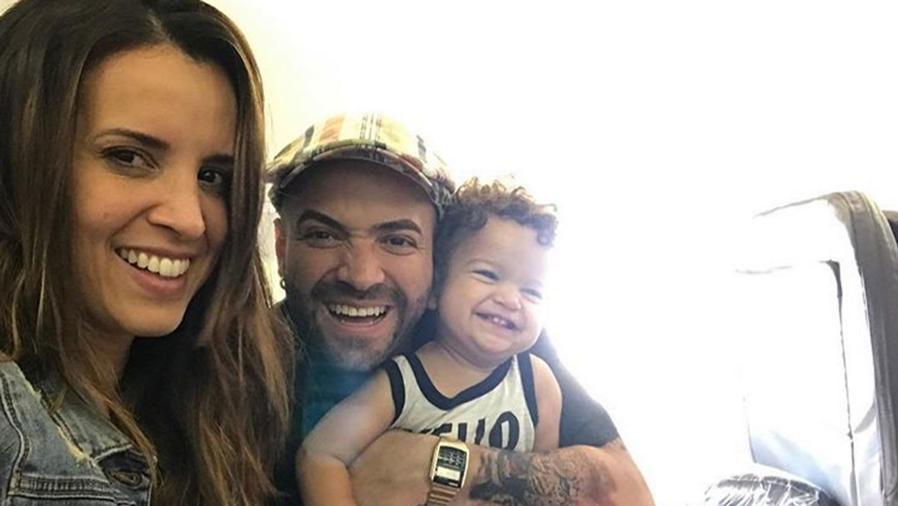 Nacho e Inger Mendonza con su hijo Matías