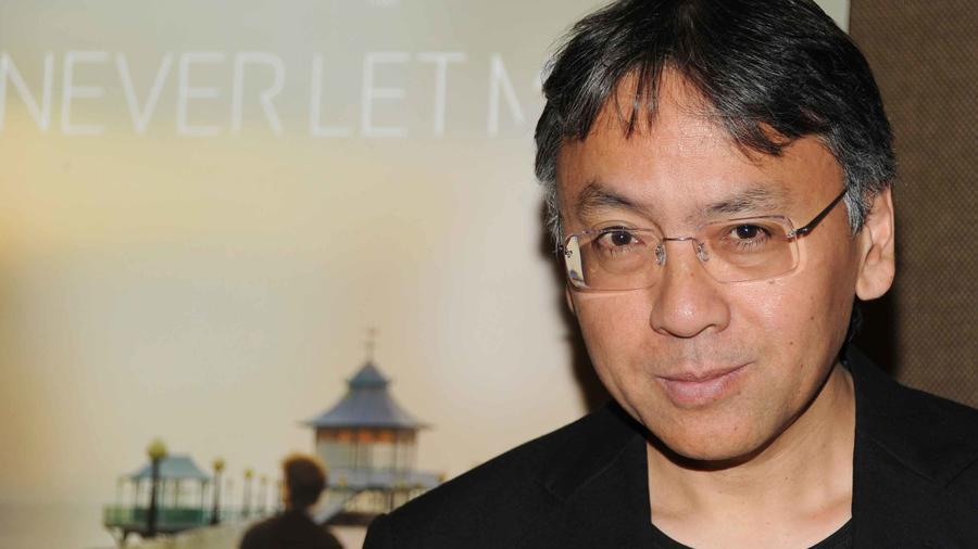 Kazuo Ishiguro, novelista británico e lleva el premio Nobel de Literatura