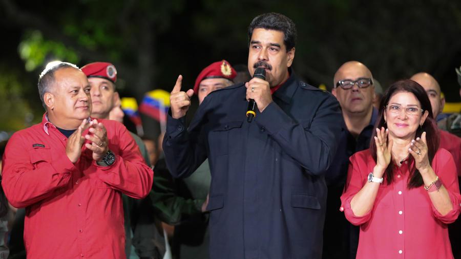 """Nicolás Maduro dice que """"el chavismo está vivo"""" tras su victoria electoral"""