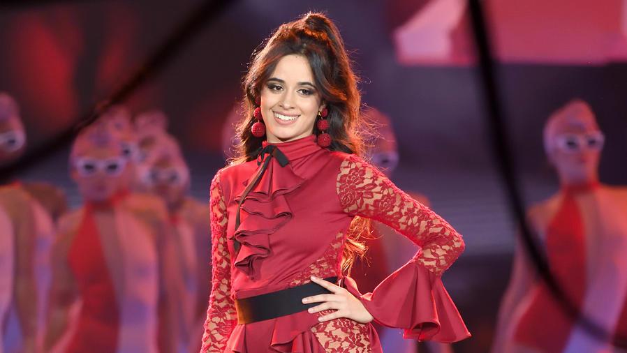Camila Cabello en los MTV EMAs 2017