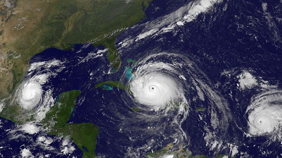 Los huracanes Katia, Irma y Jose, el 8 de septiembre.