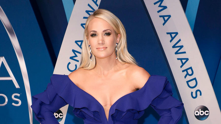 Carrie Underwood, CMA Awards 2017