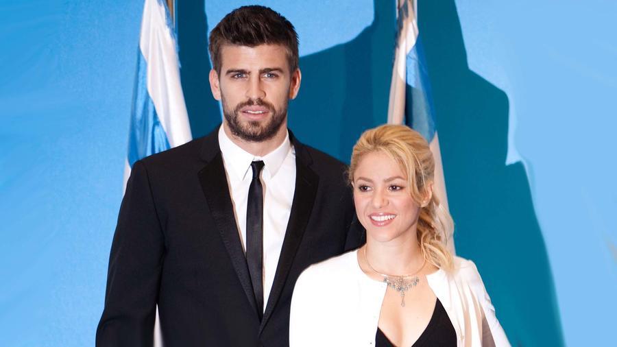 Pop Star Shakira Meets Israeli President Peres