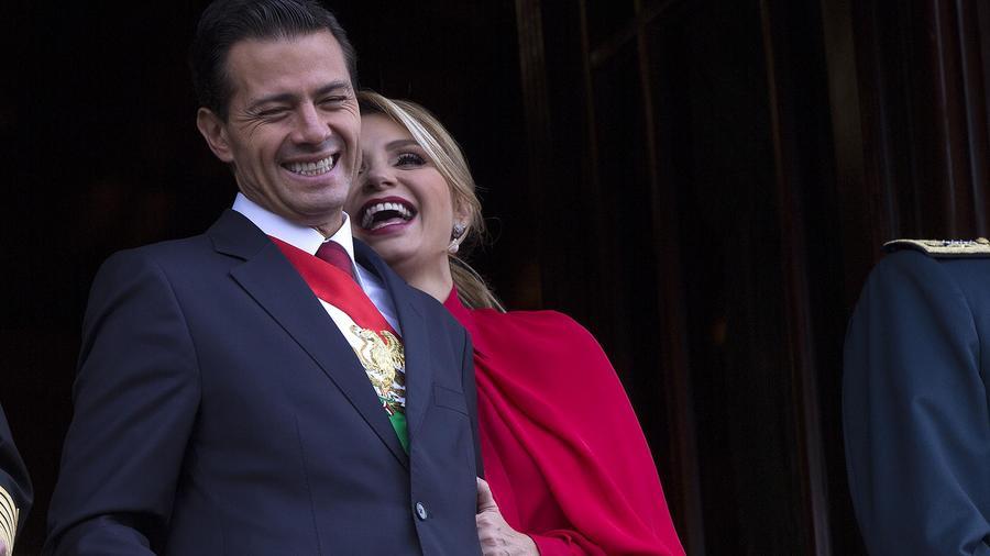 Peña Nieto se ríe