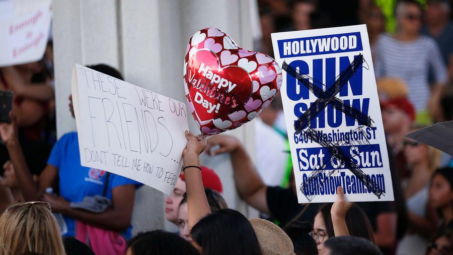 Protestas en Florida contra las armas y Trump