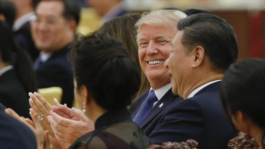 Trump, con el presidente chino, Xi Jinping, el 9 de noviembre en el Renmin Dahuitang de Pekín.