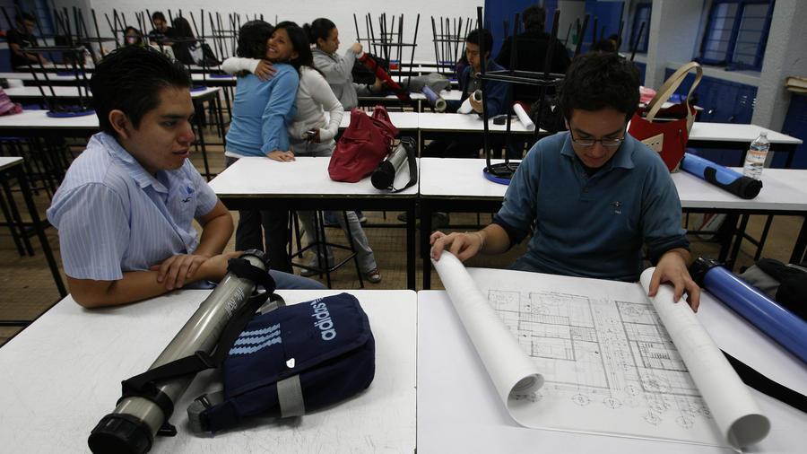Estudiantes de la Universidad Nacional Autónoma de México, en la Ciudad de México, en esta foto de archivo de mayo 2009,