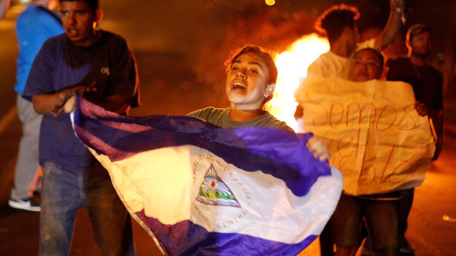 Protesta el sábado por la noche en Managua.