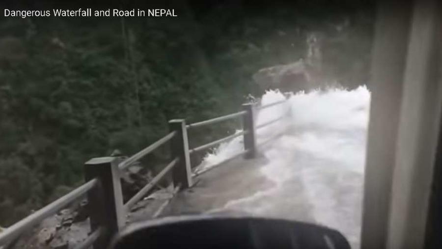 Cascada en Nepal