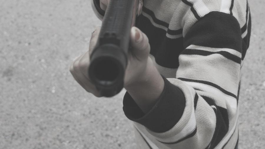 A uno le habría disparado su hermano de cuatro años pensando que el arma era un juguete; el otro se habría disparado a sí mismo accidentalmente. (Foto ilustrativa)