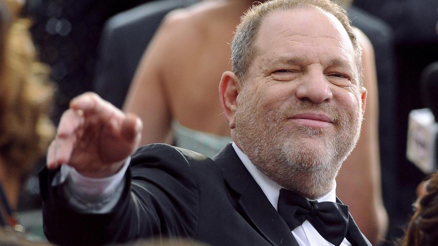 Harvey Weinstein llega a la ceremonia del los premios Oscar en Los Ángeles, el 22 de febrero de 2015.