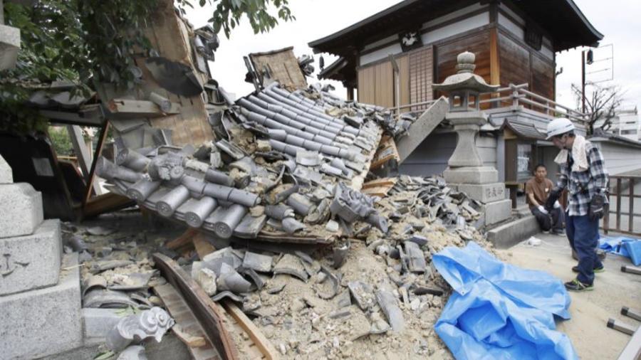 El templo Myotoku-ji  dañado tras el terremoto en Japón.