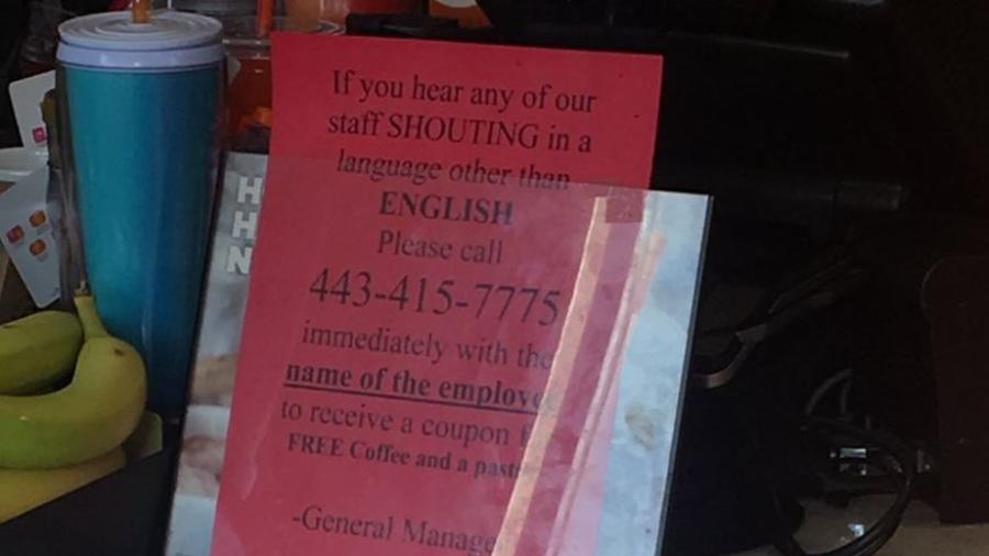 Mensaje racista en un Dunkin' Donuts en Baltimore.