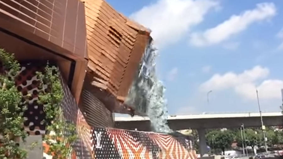 Derrumbe centro comercial