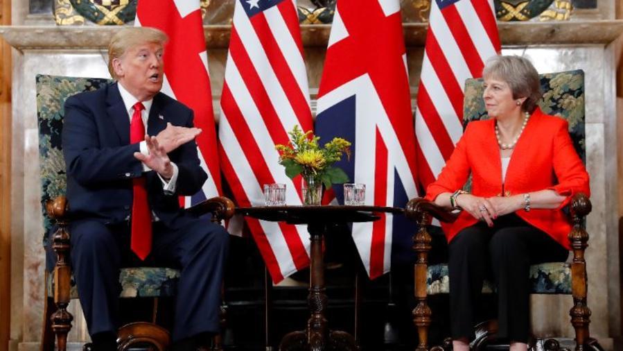 Donald Trump en una reunión este viernes con la primera ministra de Reino Unido, Theresa May.