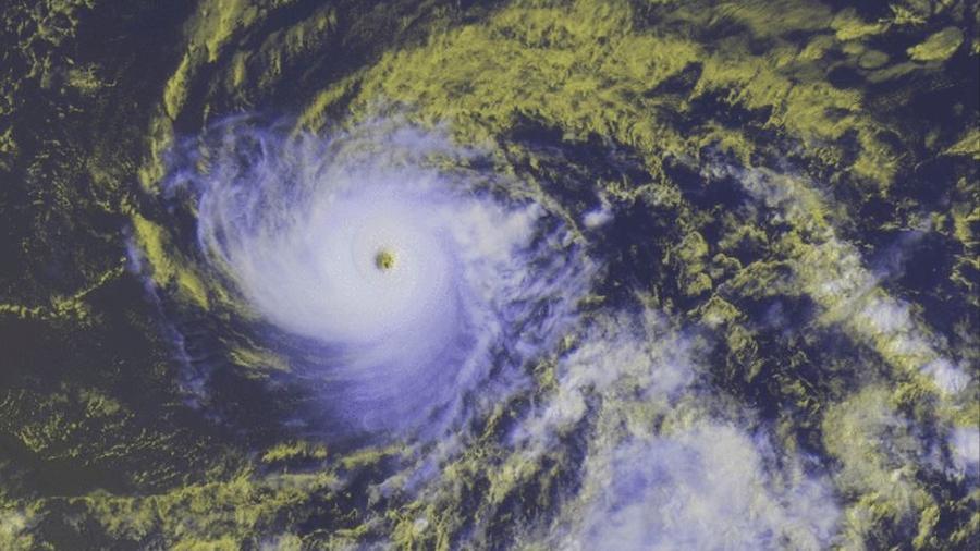 Imagen de satélite del huracán Héctor este martes.