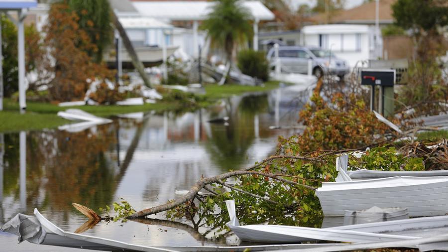 Vecindario inundado después de un huracán