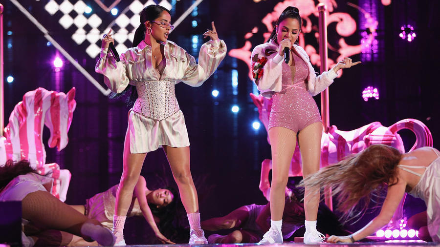 Becky G y Natti Natasha en los MTV Millenial Awards 2018