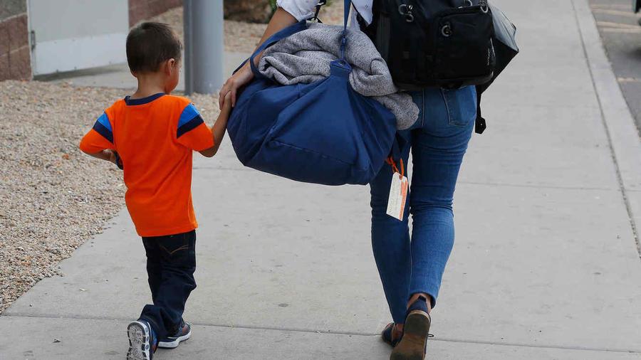 Unos 220 niños no regresarán con sus familias, según los abogados del Gobierno.