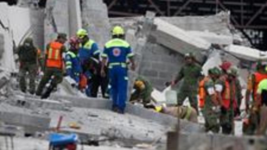Rescatistas buscan supervivientes tras derrumbe de construcción en Monterrey