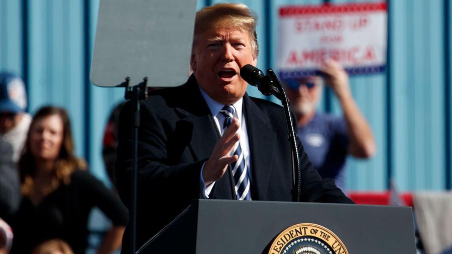 Presidente de EEUU, Donald Trump, hoy en el aeropuerto Elko en Nevada