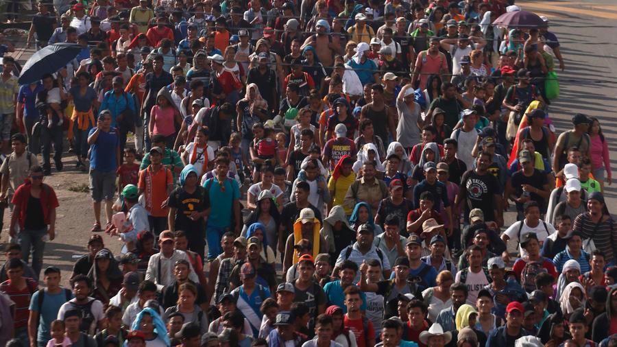 Integrantes de la caravana en su cruce por México