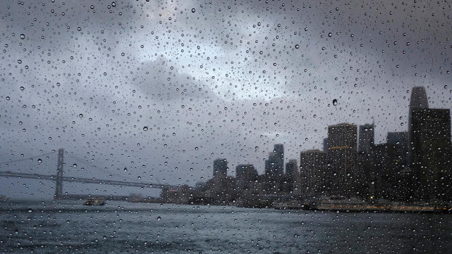 La ciudad de San Francisco siendo afectada por la lluvia hoy