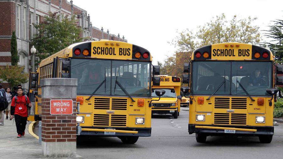 El niño, alumno de preescolar de un colegio de la ciudad de Olimpia, estuvo sentado solo una hora dentro del autobús.