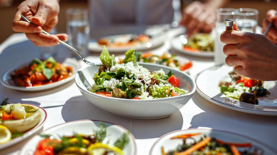 Comida sobre la mesa