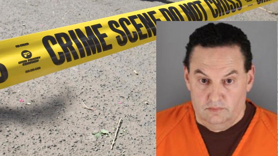 Imagen de archivo de un cordón policial. A la derecha, Jerry Westrom tras su detención.