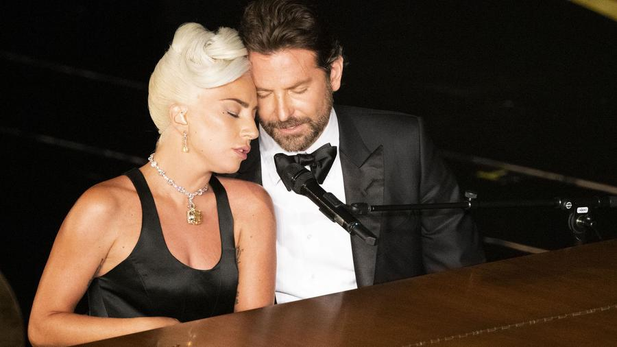 Presentación de Lady Gaga y Bradley Cooper en los Oscar