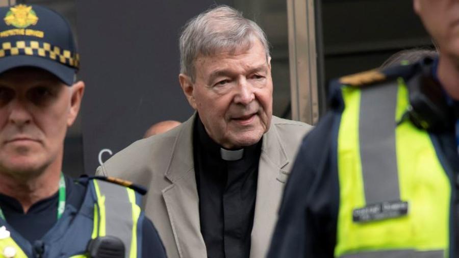 El cardenal George Pell llega a la Corte del Condado en Melbourne, Australia, este martes 26 de febrero de 2019.