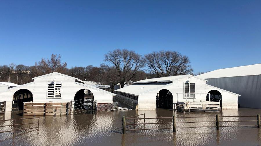 Casas bañadas por las inundaciones en Nebraska