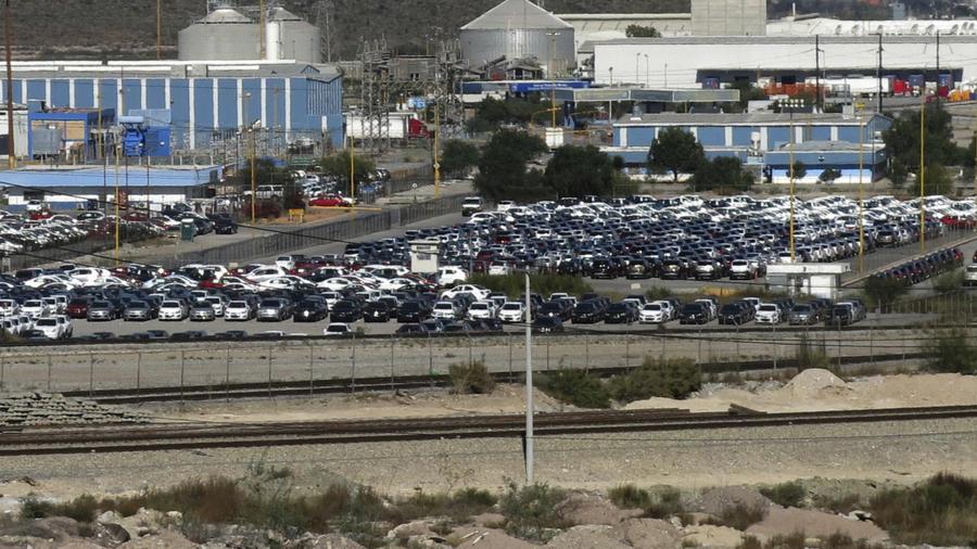 Autos la planta de General Motors donde se ensamblan los Chevrolet Sonics, Cadillac SRX y Captiva SUV en Ramos Arizpe, México.