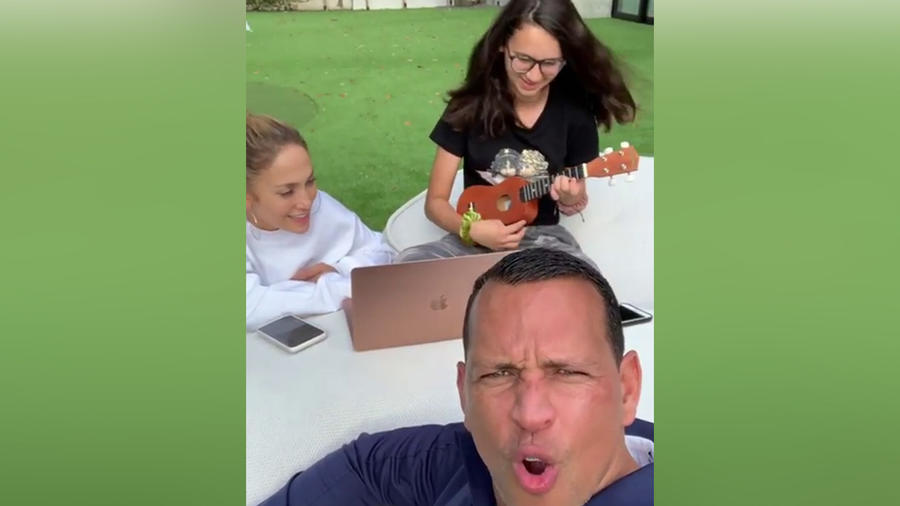 Alex y Natasha Rodriguez con Jennifer Lopez