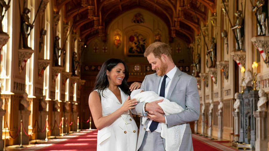Meghan y Harry presentaron a su hijo al mundo