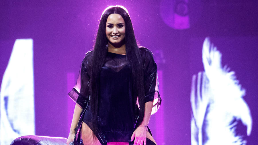 Demi Lovato en concierto en Esccocia