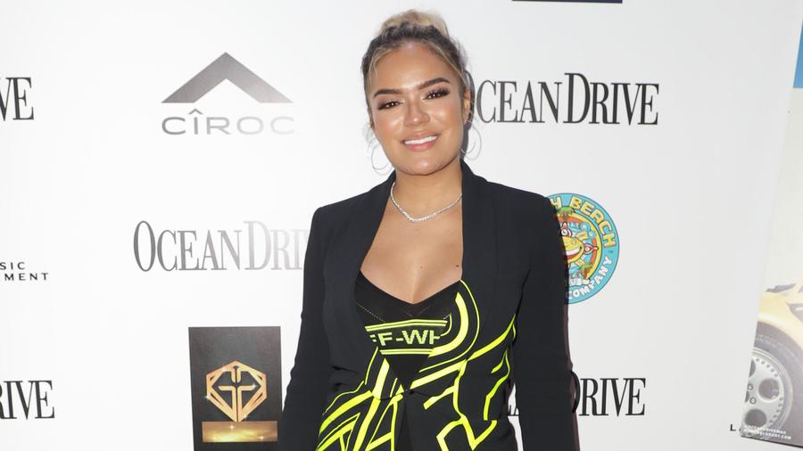 Karol G en el evento de la revista Ocean Drive en Miami, Florida.