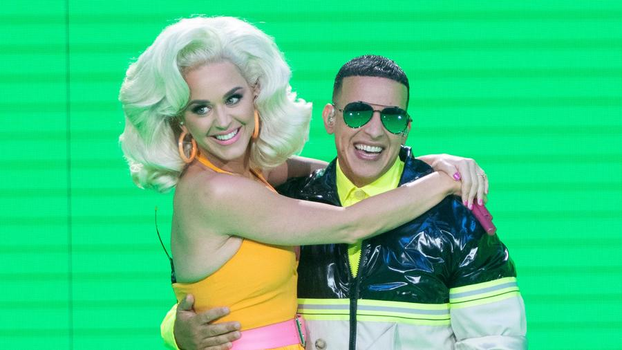 """Katy Perry and Daddy Yankee perform on """"American Idol"""""""