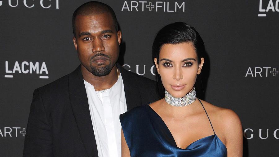 Kim Kardashian con su esposo Kanye West en la 2014 LACMA Art & Film Gala