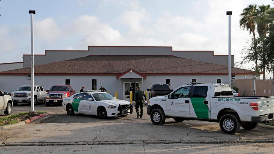 Médicos revisarán salud de inmigrantes detenidos en Texas