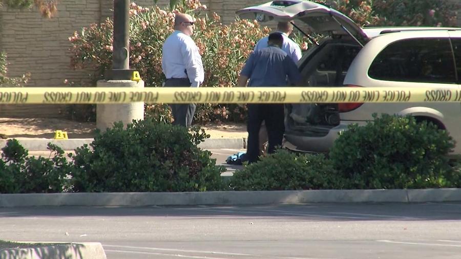 Mujer encontrada muerta por ataque de perros en parqueo de Costco en Bakersfield