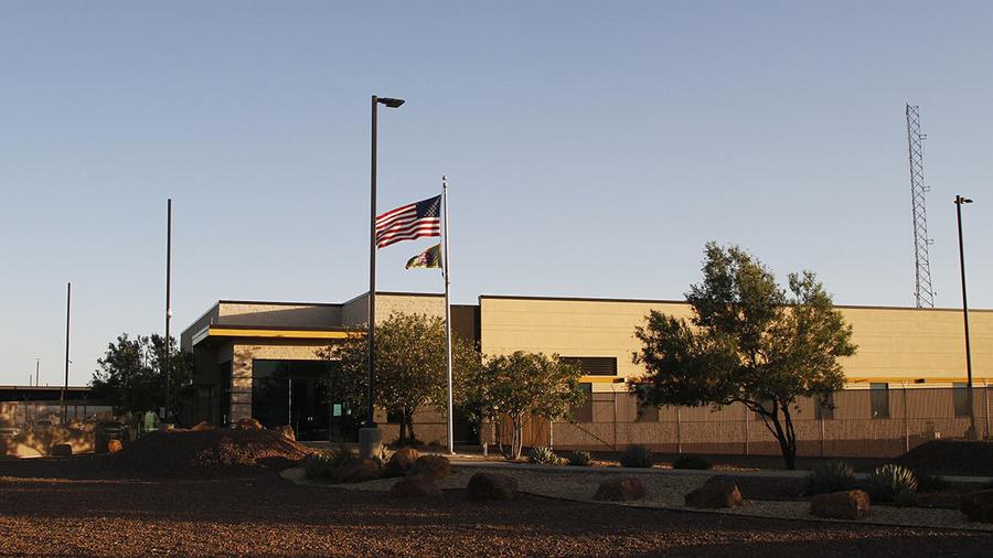 Entrada de la estación de la Patrulla Fronteriza en Clint, Texas.